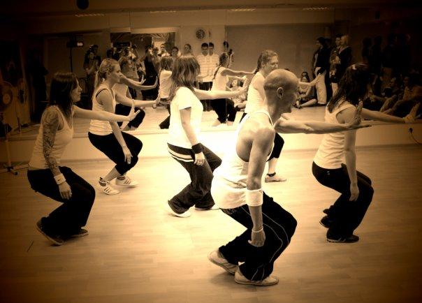 Уличные танцы новые группы апрель 2012